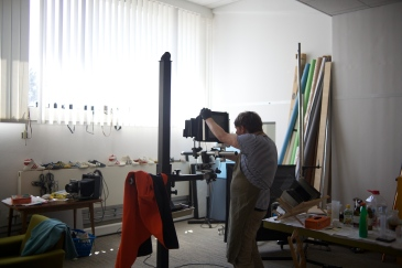 Peter Kunz setting up a frame for impossible motif.