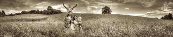 I've made this panoramic family photo for my good friend with his family. The print was printed size 4,5 meter x 1 meter.